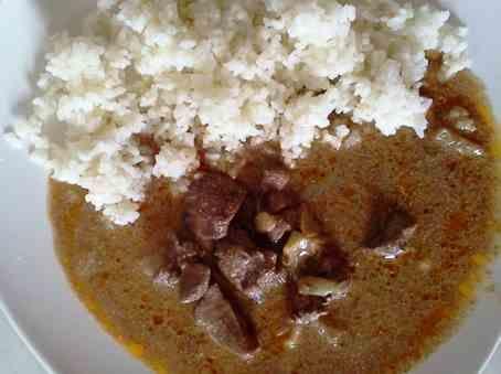 Kuracie pečienky na smotane s ryžou