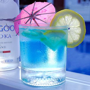 Loose Goose Juice! Grey Goose vodka with mountain black powerade cocktail. Get drunk and hydrate at the same time!
