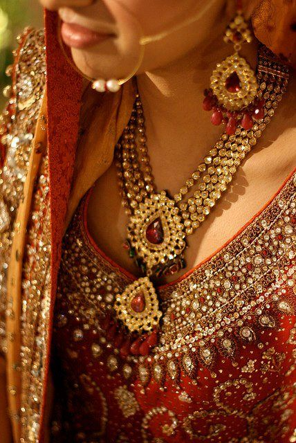 #Bridalchains from Praveen Jewels that will wow everyone!  http://qoo.ly/zzg35