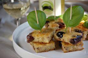 Raikkaan ja puolimakean valkoviinin seuraksi sopii hienosti sardiini-oliivipiirakka. SARDIINI-OLIIVIPIIRAKKA 120 g sardiineja öljy...