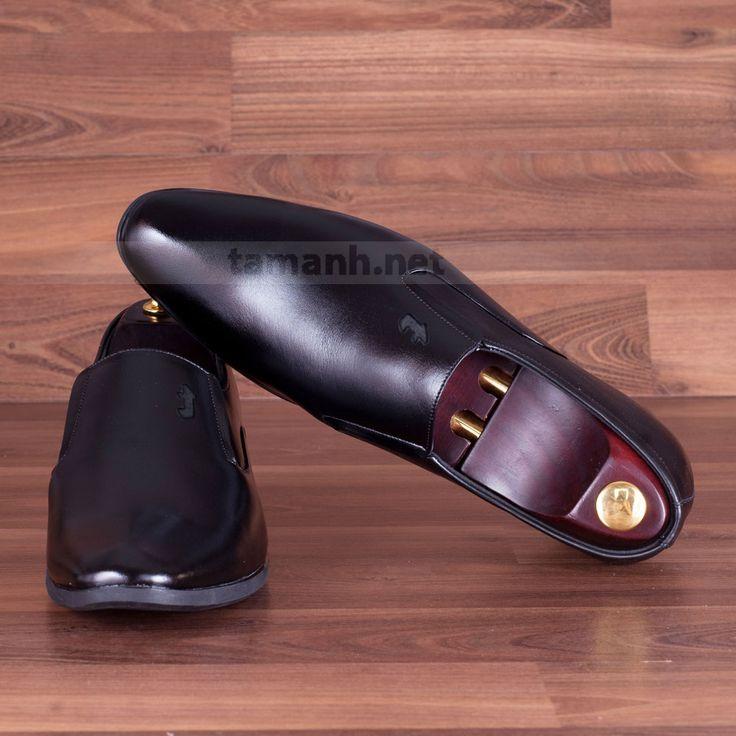 Mẫu giày đế cao 7cm màu đen mũi nhọn GCTATC123-D không bao giờ hết hót