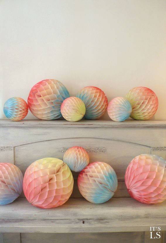 Honeycomb tissue Paper Balls - Handcolored by Amsterdam designer Strawberryblonde - 5 different color combinations - 3 different sizes - You can buy them online at: http://www.likestationery.com/c-1748085/paper-ball/
