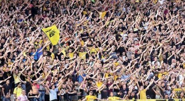 """""""Ντόπες"""" στους παίκτες της ΑΕΚ από τον κόσμο! > http://arenafm.gr/?p=190475"""