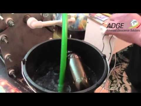 Adgex Energy. Сергей Ивченко демонстрирует электролизер.