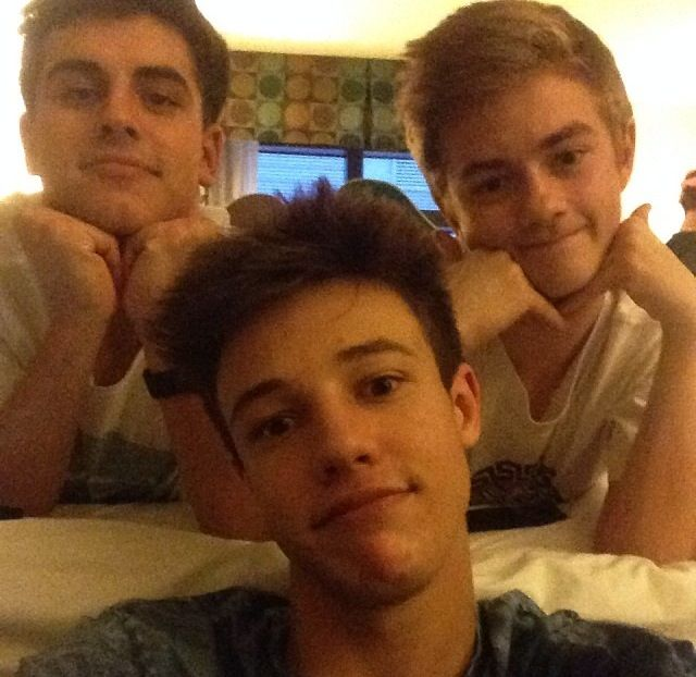 Jack and jack with Cameron Dallas!<<<<pinning for Jack J's face omg…