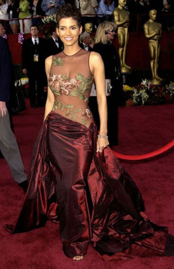 The #ElieSaab gown #HalleBerry wore to the 2002 ceremony, where she received a historic Best Actress #Oscar for her work in #MonstersBall, is widely considered one of her best fashion statements.   #AcademyAwards