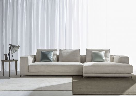Модульный диван Christian был спроектирован в Berto Design Studio с тем, чтобы отвечать высочайшим требованиям к комфорту.