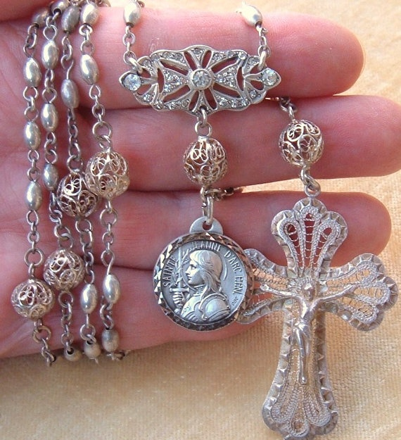 Beautiful vintage rosary...I've never seen anything like it...