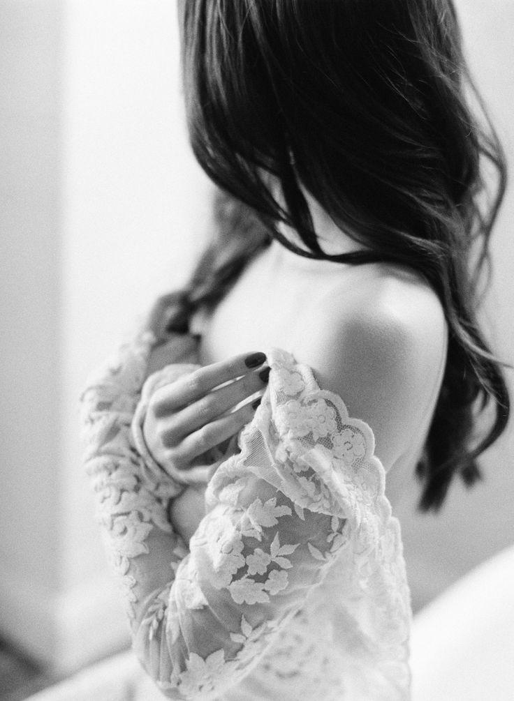 at home Australian romantic engagement shoot | Photography: Amelia Soegijono Photography
