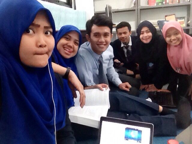 "Waiting for our ""Sidang"""