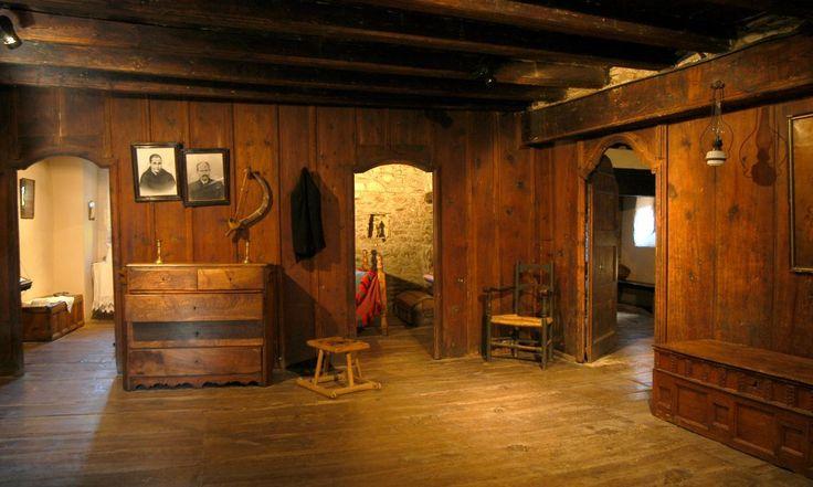 El mobiliari i les peces que es mostraven a la sala indicaven l'estatus social de la família.
