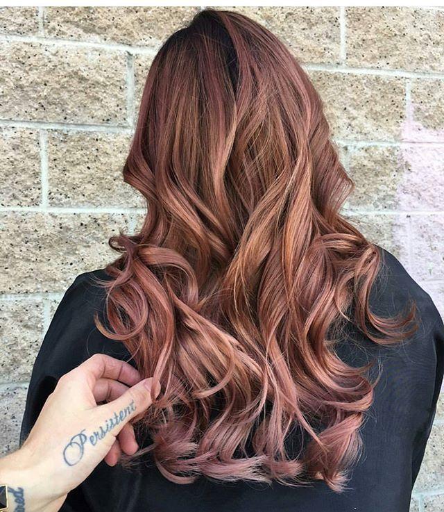Pin for Later: Rose Gold Sera la Couleur de Cheveux la Plus Cool de l'Année