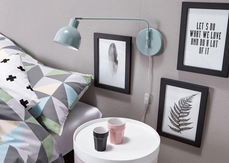 Kijk eens wat een leuk lampje! Hier vind je de mooiste verlichting (en meer!) voor een moderne slaapkamer op een rijtje > #slaapkamer #kwantum #slaapkamerinspiratie #modernwonen #modern #interieur #wonen