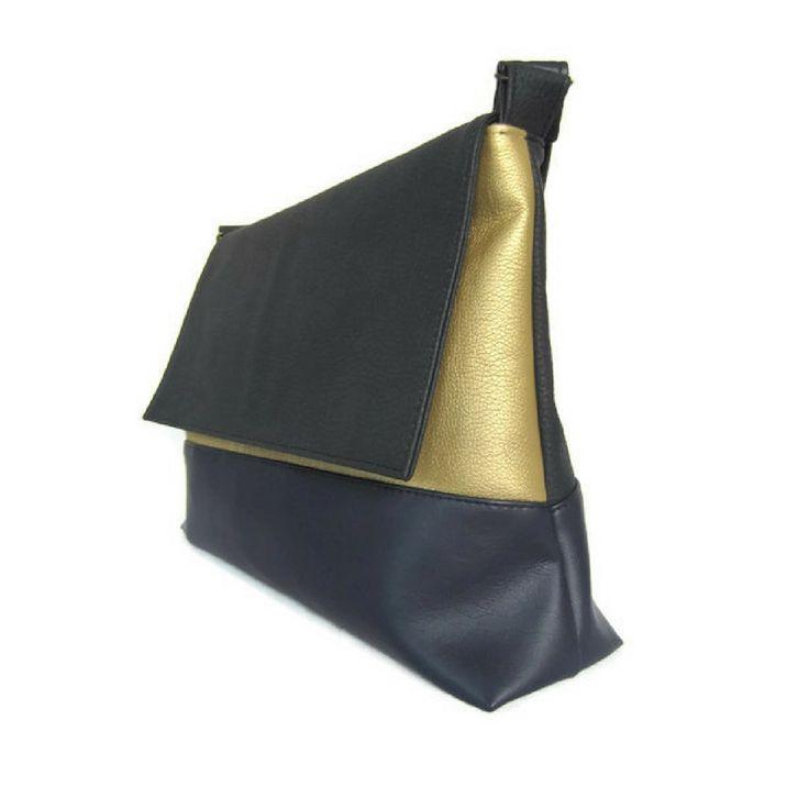 Schoudertas zwart - blauw - goud http://www.doorjolanda.nl/c-3522711/schoudertas/