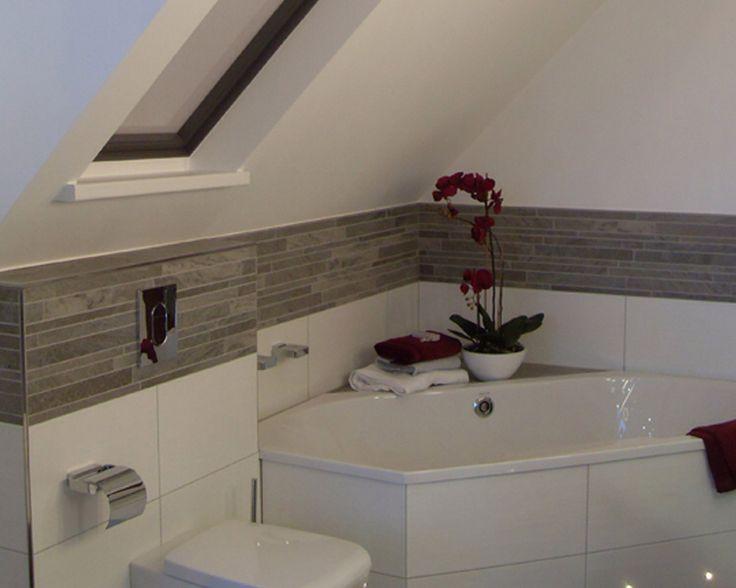 Innenarchitektur : Geräumiges Badezimmer Dachschräge .