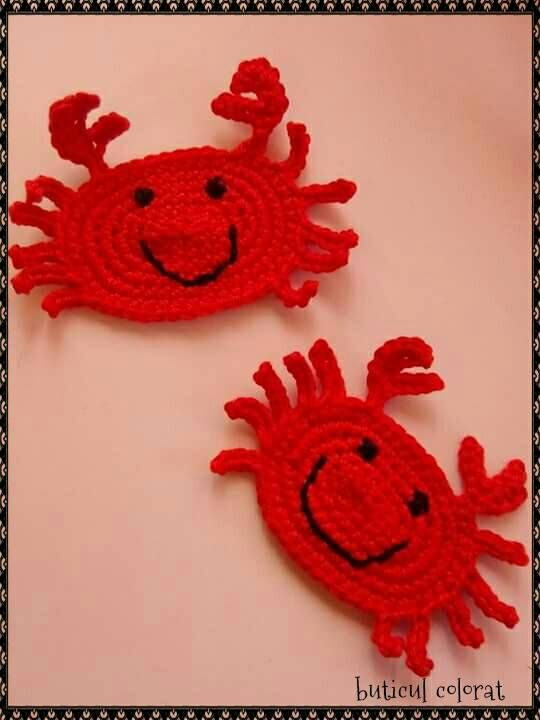 Check out this item in my Etsy shop https://www.etsy.com/listing/287507335/crochet-lobsters-pony-tail-holder