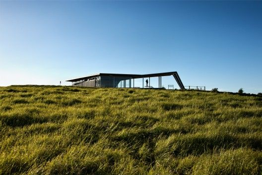 Visitor Centre for Equestrian and Mountain Biking / Jasmax | ArchDaily