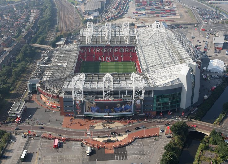 Old Trafford looking resplendent from this impressive aerial vantage point back in 2008. Not long before this shot was taken, @manutd's had emerged victorious in the Champions League final.