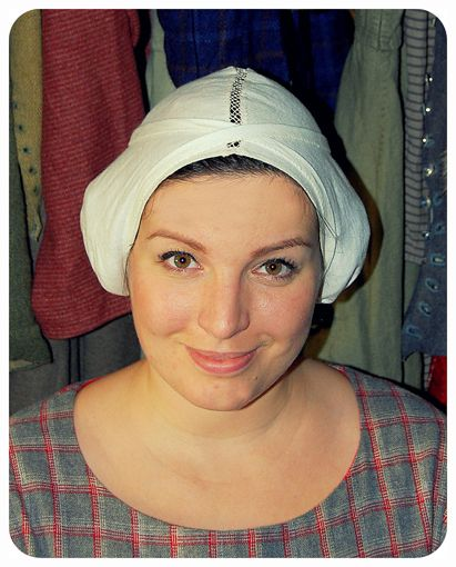 How to wear a Birgitta's cap 3 ways.  Alone, with a veil or with a veil & wimple.