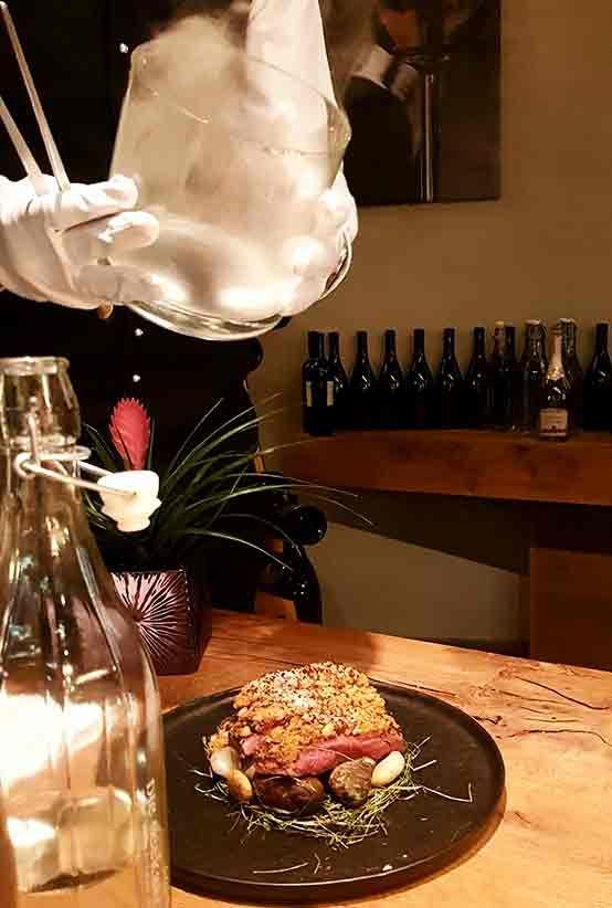 """Fine Dine im Hotel Das Seekarhaus in #Obertauern [Anzeige] Haubengekrönte Küche, exklusives Ambiente und erlesene Weinbegleitung – das ist """"Fine Dine"""" im Hotel Das #Seekarhaus in Obertauern."""