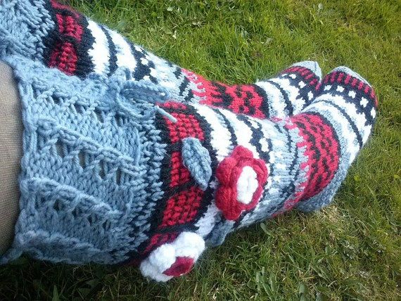 Knit socks with flowerHand knit over knee socks hand by stankashop