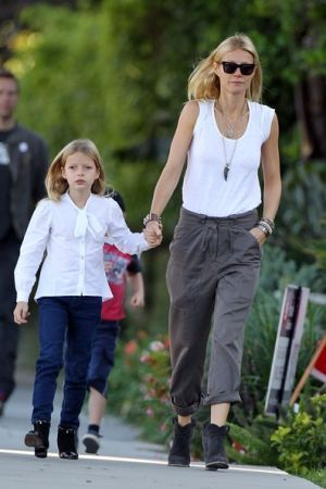 Gwyneth Paltrow Chris Martin children gwyneth paltrow height.jpg