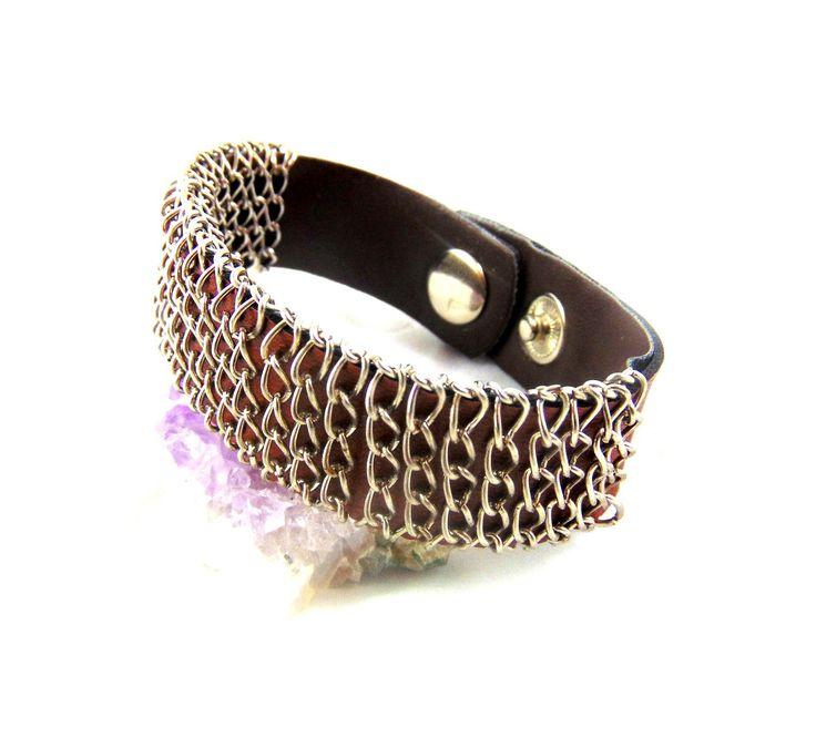 Bracelet cuir marron avec ces chaînes : Bijoux pour hommes par ewavende