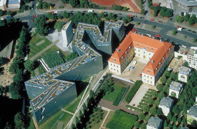 Galeria de Clássicos da Arquitetura: Museu Judaico de Berlim / Daniel Libenskind - 7