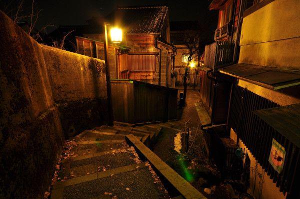 ノスタルジックな夜「金沢主計町」|やさしさの瞬間