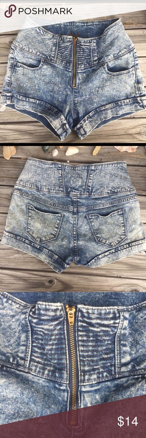VTG HIGH WAIST BLEACHED MINI SHORTS SZ S VTG HIGH WAIST BLEACHED MINI SHORTS SZ S- zipper Front- acid wash- stretch- some fray at hem- very sexy on hugs curves! Vintage Shorts Jean Shorts
