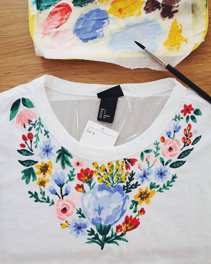 painting on my 7euro H&M t-shirt / 스케치 안…