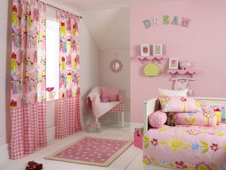 Fresh S es M dchenzimmer mit rosa Gardinen mit Naturmotiven