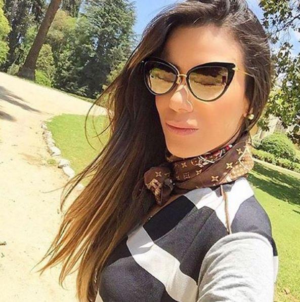 Um óculos Dita sempre garante um look mais sofisticado! A bela @joiceoliveira está divando com o dela!! ✨ #oticaswanny #dita #joiceoliveira #oculosdita #heartbreak