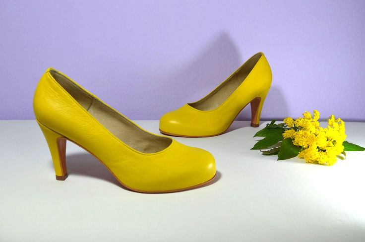 Pohodlné celokožené boty se skrytou platformou a 7 cm podpatkem. Okrouhlejší špička, pohodlní a 7 cm podpatek jako základní požadavka klientky. Děkujeme.  Svatební boty na nízkém podpatku ve stylu Služba VIP. svatební boty, svatební obuv, svadobné topánky, svadobná obuv, obuv na mieru, topánky podľa vlastného návrhu, pohodlné svatební boty, svatební lodičky, svatební boty na nízkém podpatku,boty svatební boty na nízkém podpatku, balerínky, pohodlné svatební boty,žlté svadobné topánky,