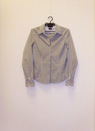 Kup mój przedmiot na #vintedpl http://www.vinted.pl/damska-odziez/koszule/20485054-80-zl-przy-wymianie-tommy-hilfiger-koszula-w-prazek-siwa-6-34-xs-bawelna-stretch-klasyczna