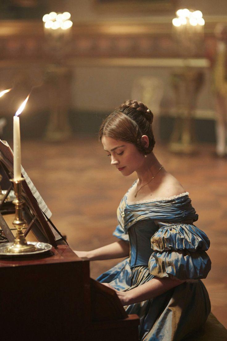 Victoria itv- Jenna Coleman