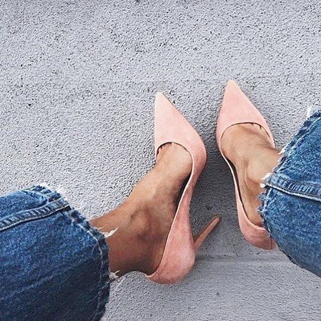 Think possitive / think pink - 💞 get VICES #vices #shoes #shoesoftheday #heels #pink #thinkpink #jeans #style#streetstyle #suede #follow #regram #instapic #instalike