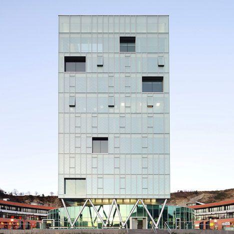 Dezeen » Blog Archive » Zaisa Office Tower by Hoz Fontán Arquitectos