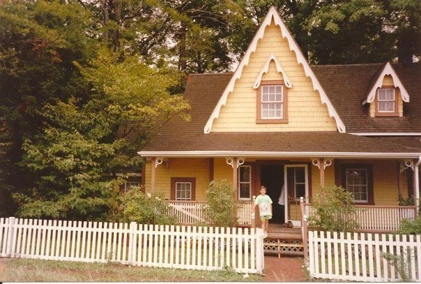 """A better picture of the house I built mine to look like. Rose Cottage in """"The Road To Avonlea"""""""