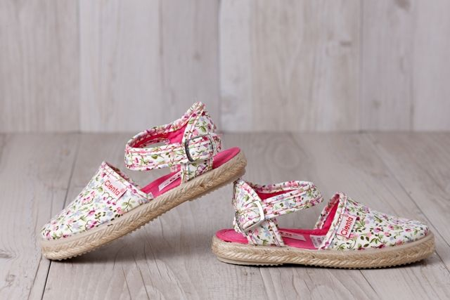 ViLa Australia - Children's Shoes  Cienta - Espadrilles Clip On Floral Red. All shoes are manufactured in Spain with respect for the environment and the universal rights of workers.   All are perfect for the Australian climate, all year round.