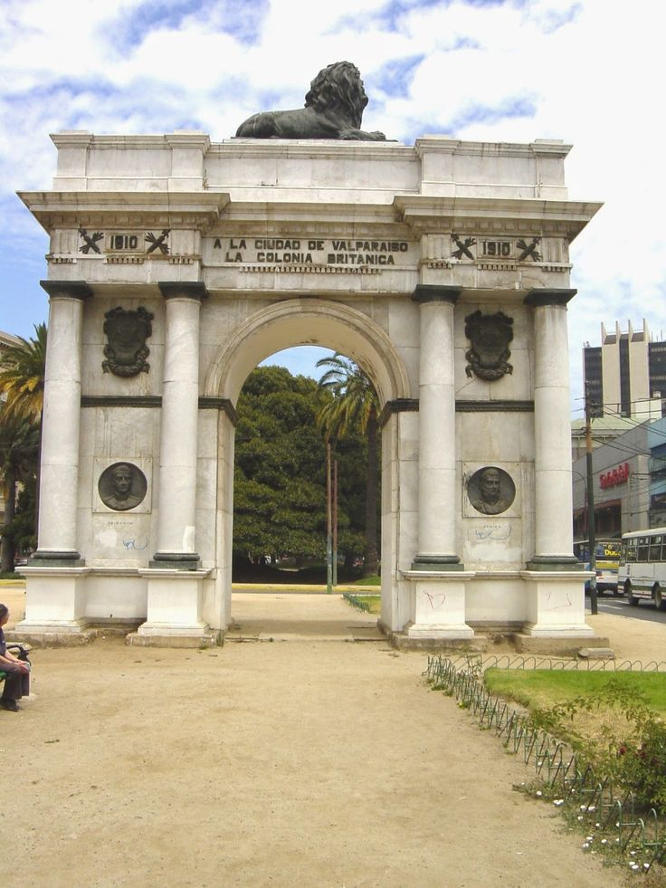 The British Arch in Valparaiso, Chile (1910) and a great post on words that start with B and refer to Chile. Read more here http://jveronr.blogspot.com/2014/09/describing-chile-with-words-that-start.html
