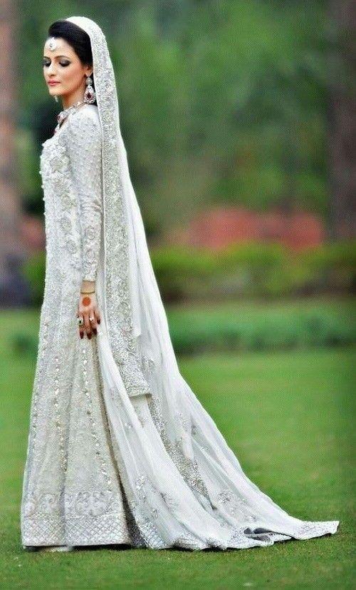 So beautiful!!! Bollywood chic #bollywoodwedding #indianwedding