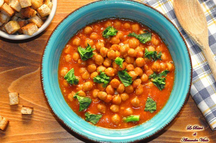 La zuppa di ceci è un piatto tipicamente invernale, ricco di gusto e di benessere per il corpo! Solo tre ingredienti e vai con la zuppa!