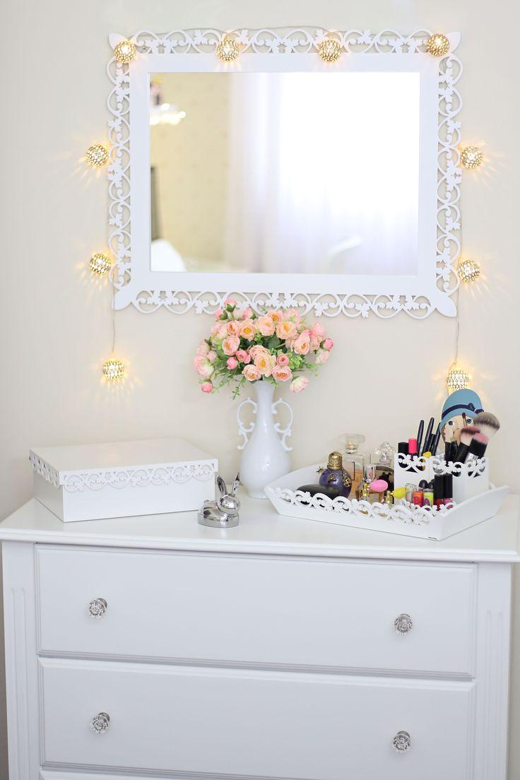 O tema do projeto fotográfico 6 on 6 foi sobre decoração. Fotografei a decoração do meu quarto e do meu home office.