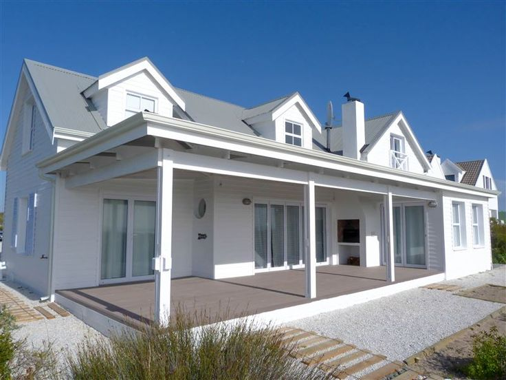 Cockleshell Beach House - Cockleshell Beach House is a quaint self-catering house, located in a private Nature Reserve 55 km from Cape Town and 30 km from all amenities. It is fully equipped to accommodate eight people. The home ... #weekendgetaways #grottobay #southafrica