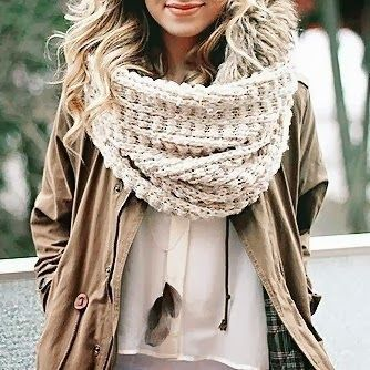 chunky scarf | winter fashion | neutral colors | layers | textures