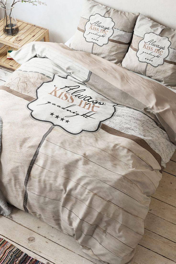 Vendita Home Living / 28103 / Biancheria da letto / Parure copripiumone / Parure Copripiumone Kiss Me Beige e Bianco