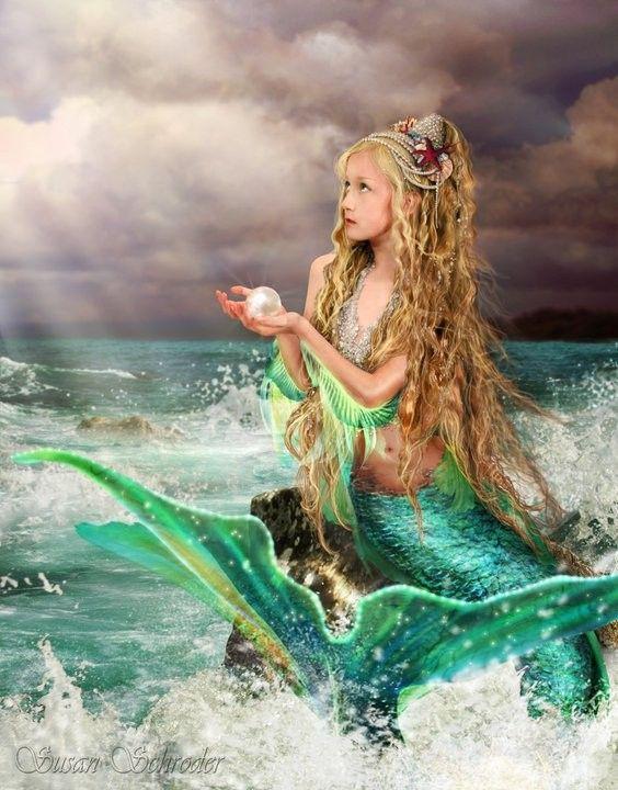 mermaid art marina