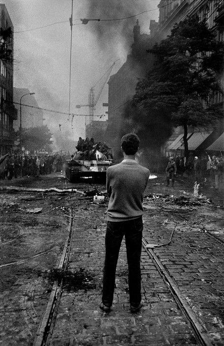 soldiers-of-war:Prague Spring. August 1968. Czechoslovakia....