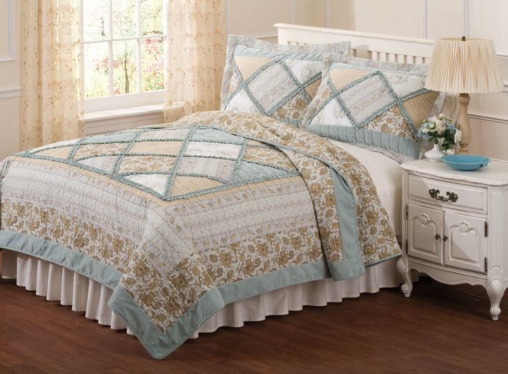 Bed Quilts Rag Style Quilt Country Blue Bedding Green Floral Guest Room